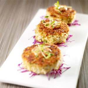 Deviled Gulf Blue Crab Cakes with Smoky Rémoulade Sauce